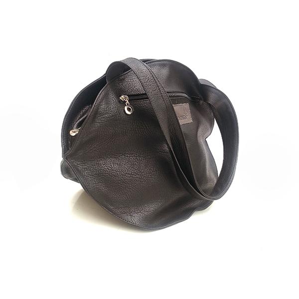 תיק שחור מעוצב לנשים