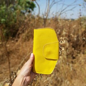 ארנק צהוב טבעוני מהפנט