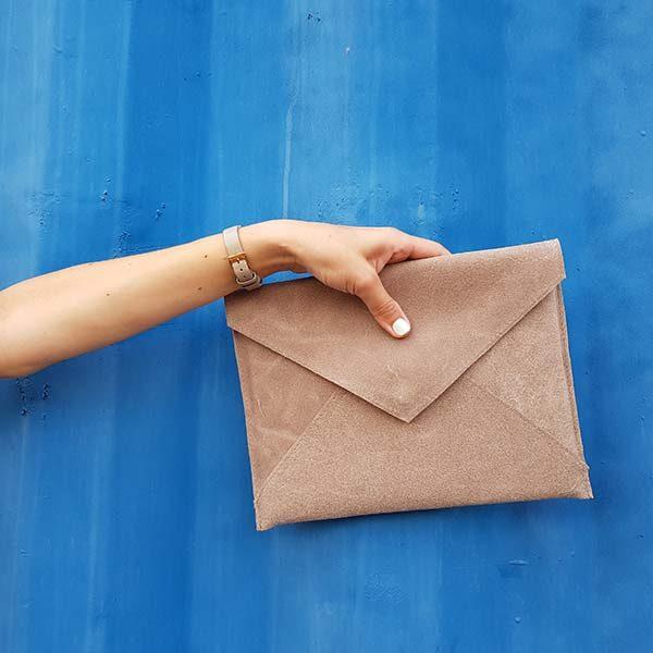 קלאץ מעטפה מעור באדום/באז/אפור