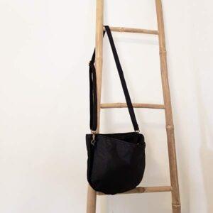 תיק צד לכתף צבע שחור