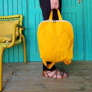 תיק גב צהוב משגע טבעוני