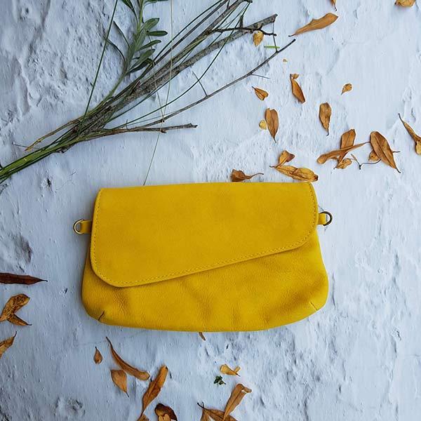 תיק עור צהוב