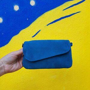 ארנקי קטן מעור לאישה צבע כחול